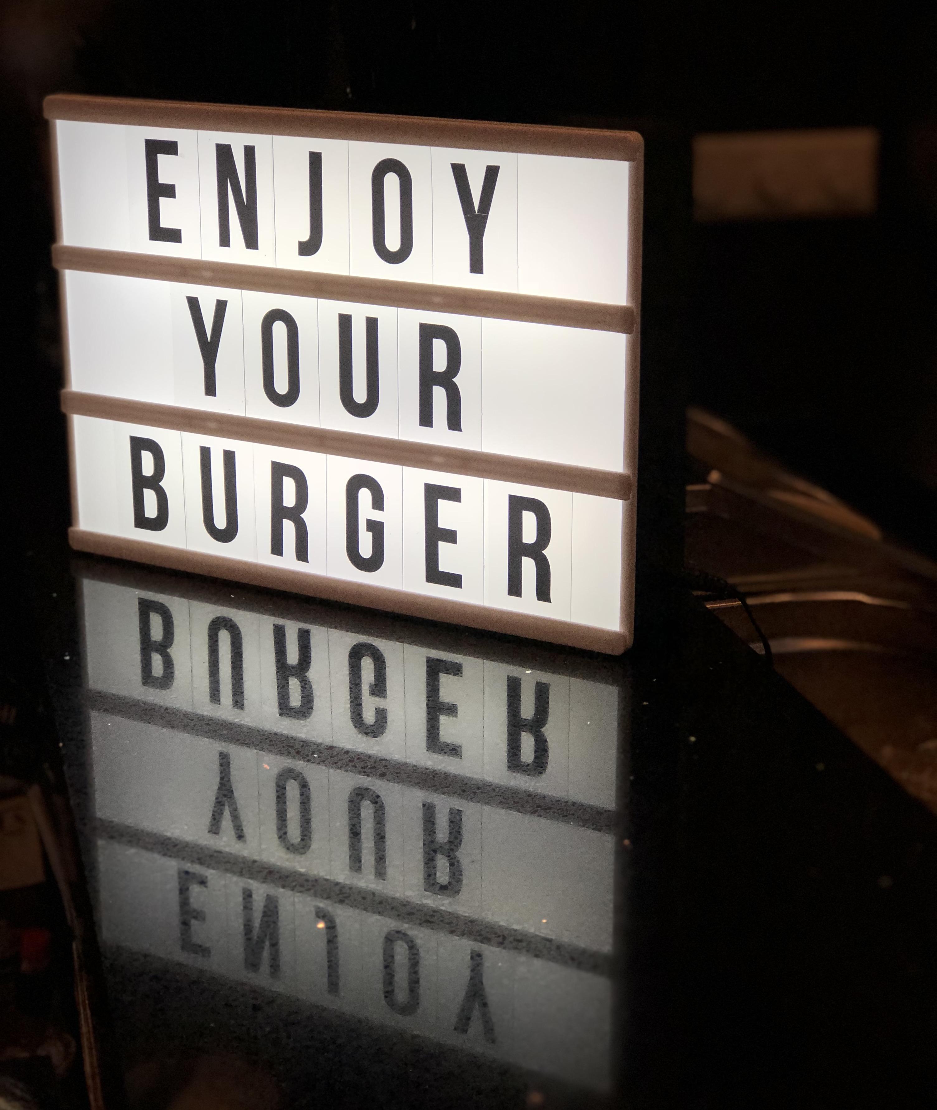 Kaufi Vang Burger