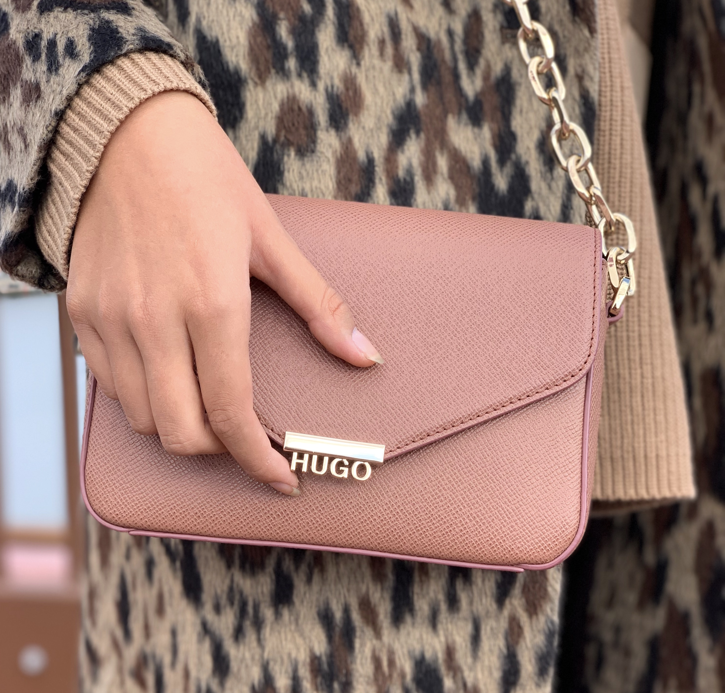 HUGO rosa taske