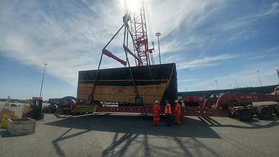 Port-of-Baltimore-Supor-13-axle.jpg