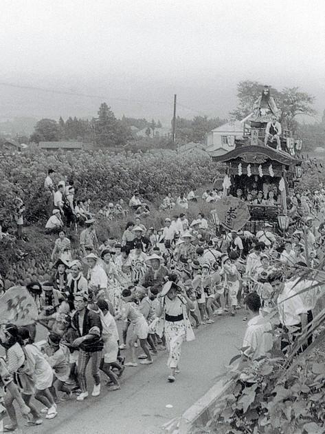昭和20年代後半~30年代前半八幡のぼり(南町).jpg