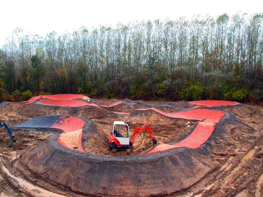 Bygga/anlägg av BMX bana/banor, Pumptracks, och MTB rundor/bana - Dirt Builders Totalentreprenad