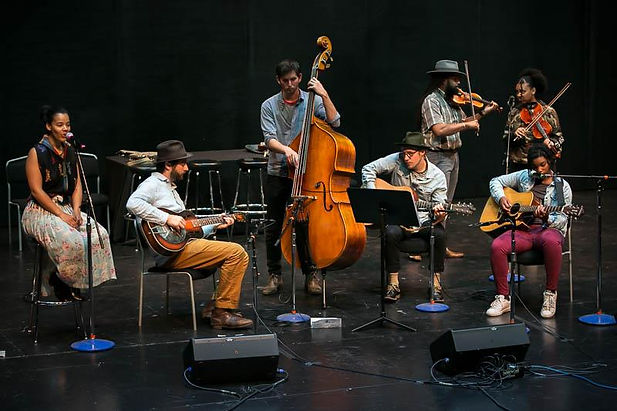Live at Folklife 2019 musicians on stage (students and facilitators).