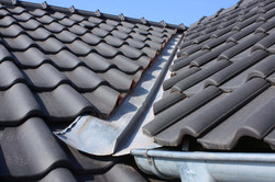 roof-valley-sams-gutters