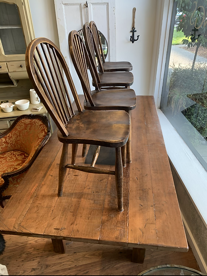 Set of 4 Windsor Chairs