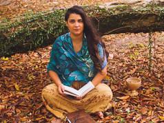 Conheça a escritora Laiara Lacerda: quando o feminino ecoa da alma.