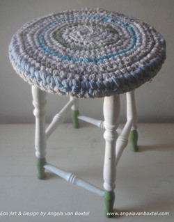 stool_crochet_cover