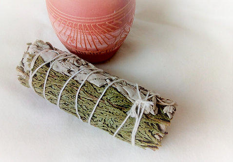 "Californian White Sage and Cedar 4"" Smudge Stick"