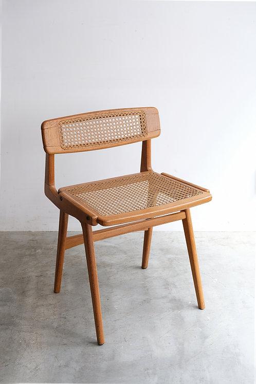 C-746 Roger Landault  Chair