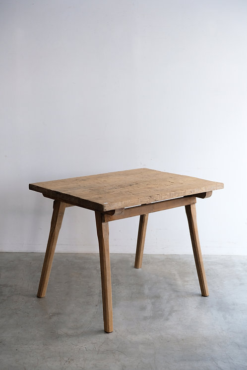 T-515 Table