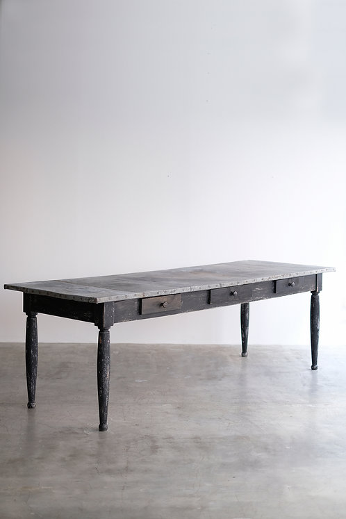 T-541 Table