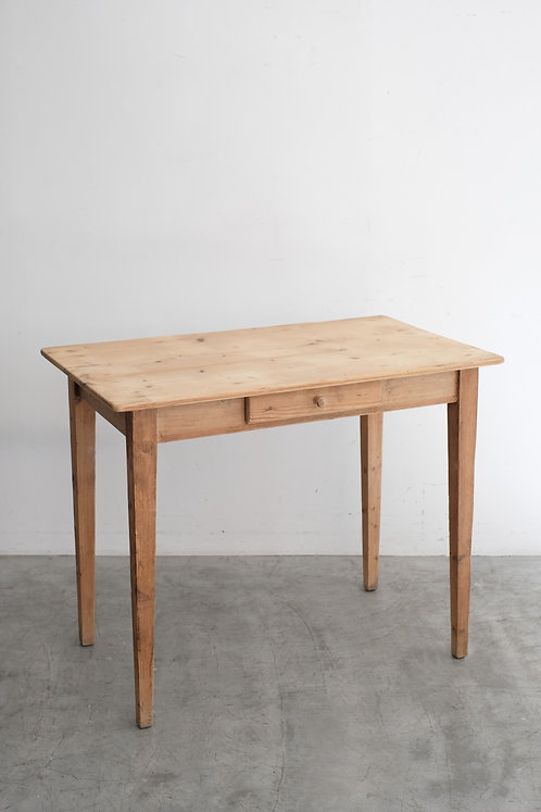T-470  Table