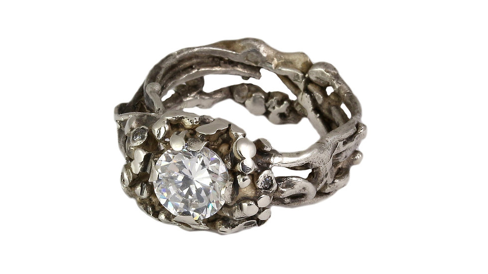 BUDOIR ring with Zirconia stone
