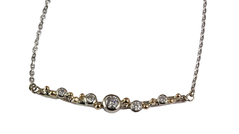 LIZA necklace with Moissanite stones