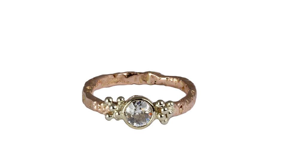 MADEIRA ring with diamond