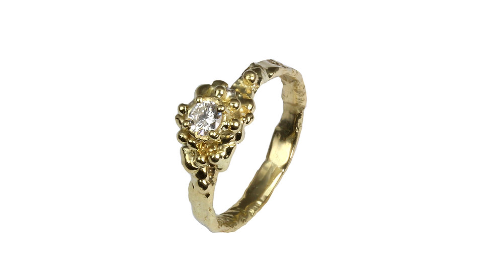 DAISY engagement ring with diamond