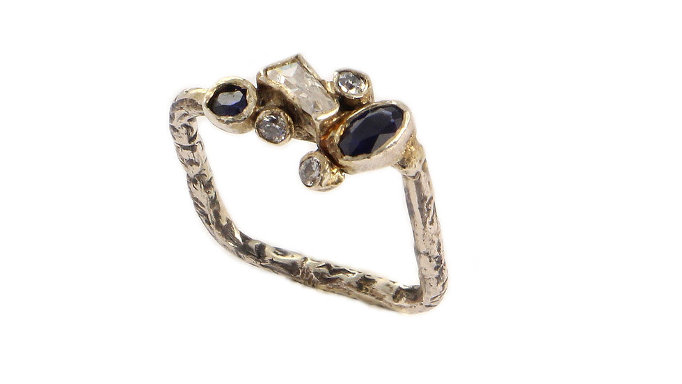 REINA silver ring with Sapphires