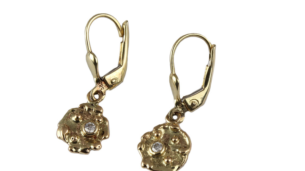 BEA gold earrings with Moissanite stones