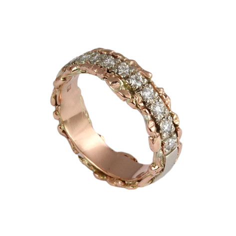 Manuela half-eternity band