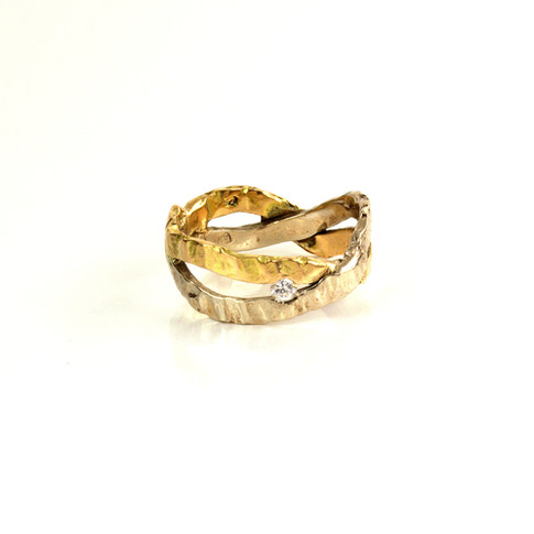 Free style engagement ring