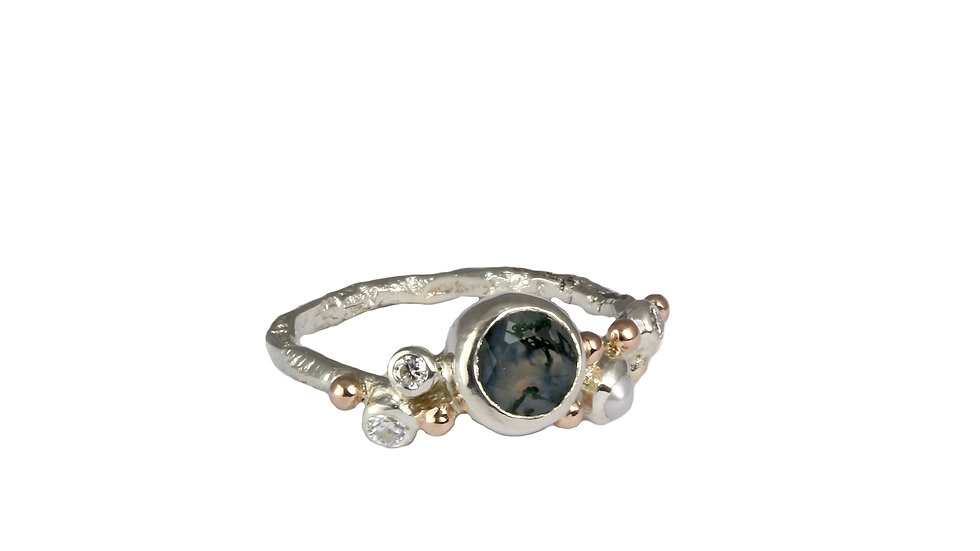 LINDA ring with Moss Agate and Moissanite stones