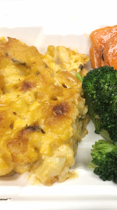 House Blend Cheesy Mac with Herbed Vegetables