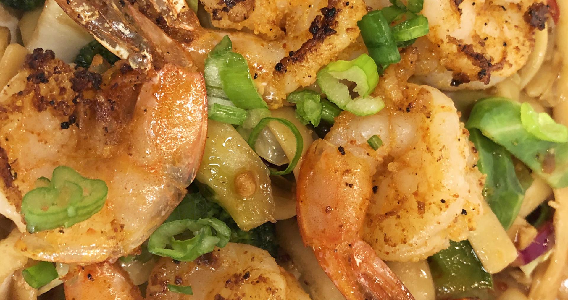 Sweet & Spicy Garden Fettucine with Marinated Shrimp