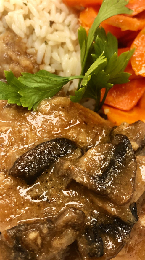 Chicken Marsala with Seasoned Rice and Herbed Vegetables