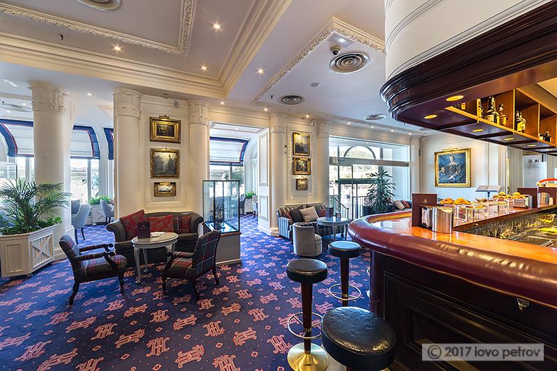 Bar Swing del Hotel Londres y de Inglaterra-Fotografía de interiores y arquitectura-Iovo Petrov