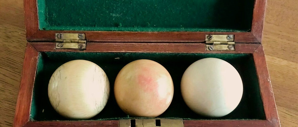 Antique Set Of Billiard Balls, Boxed From The Late 1880s