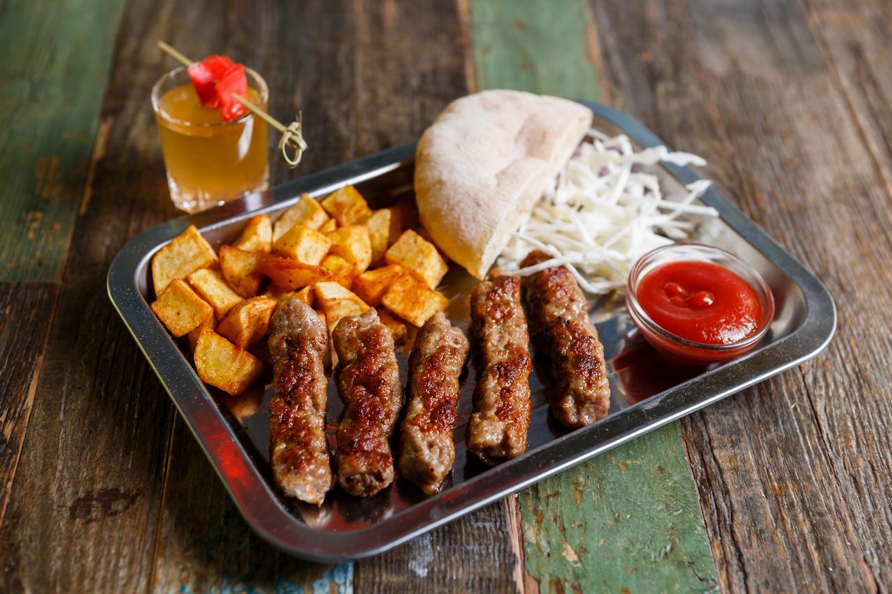 HKP_2983_col_Food_Serbs_1280