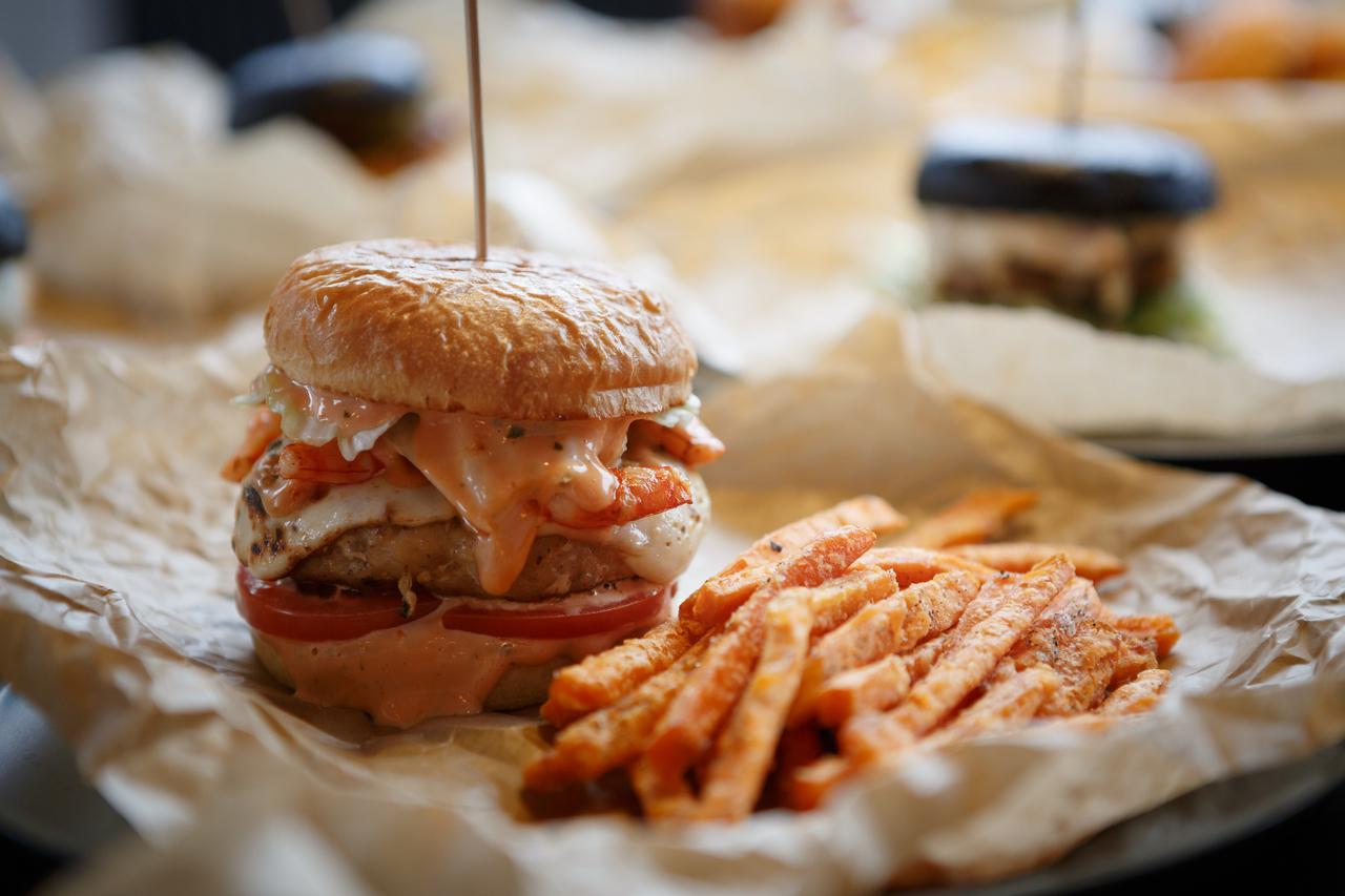HKP_8724_col_Stock_Food_Burger_Menu_1280