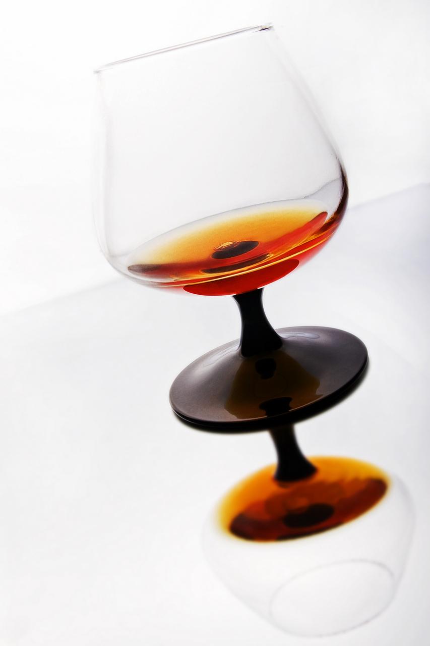 1542_Cognac_Glass_stock_20x30_edit_1280.