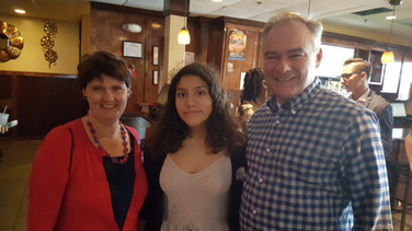 Tim Kaine and his wife Ann Holton with the VLLC high school volunteer