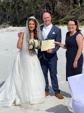 2019 Tanika & Brad Greenfields Beach.jpe