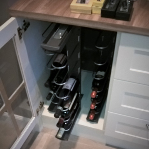 wijnkast geopend