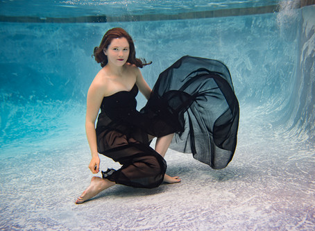Grace | Underwater | Senior pictures