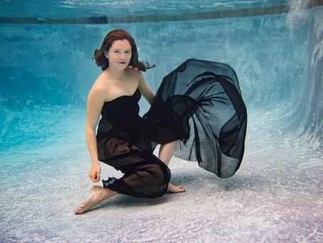 Grace | Underwater | Senior pictures