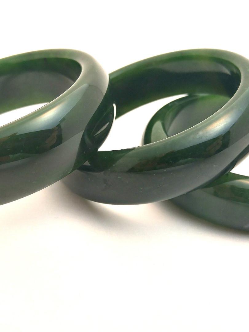 jade bangles,