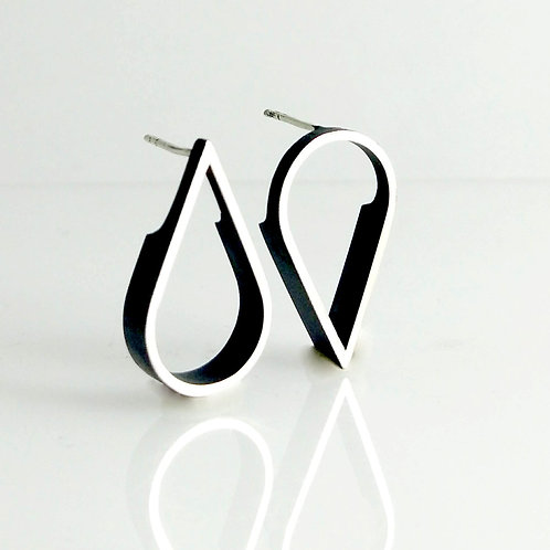 Asymmetric Tear-Drop Outline Earrings