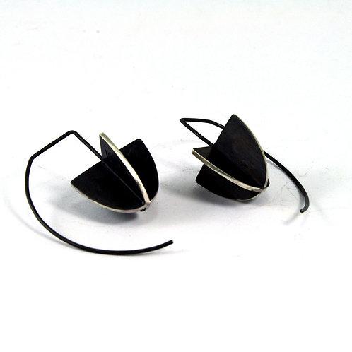 Shield hook X-series earrings