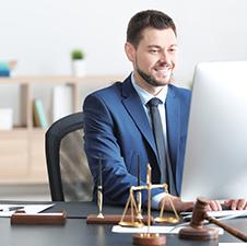 5e0a4e767436080179e9bb56_use-case_lawyer