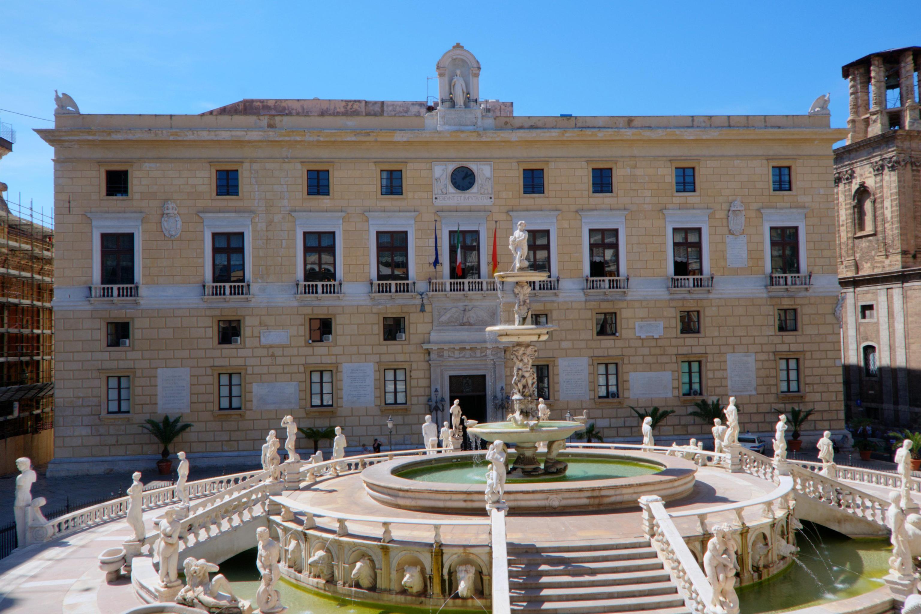 palazzo-delle-aquile-palermo