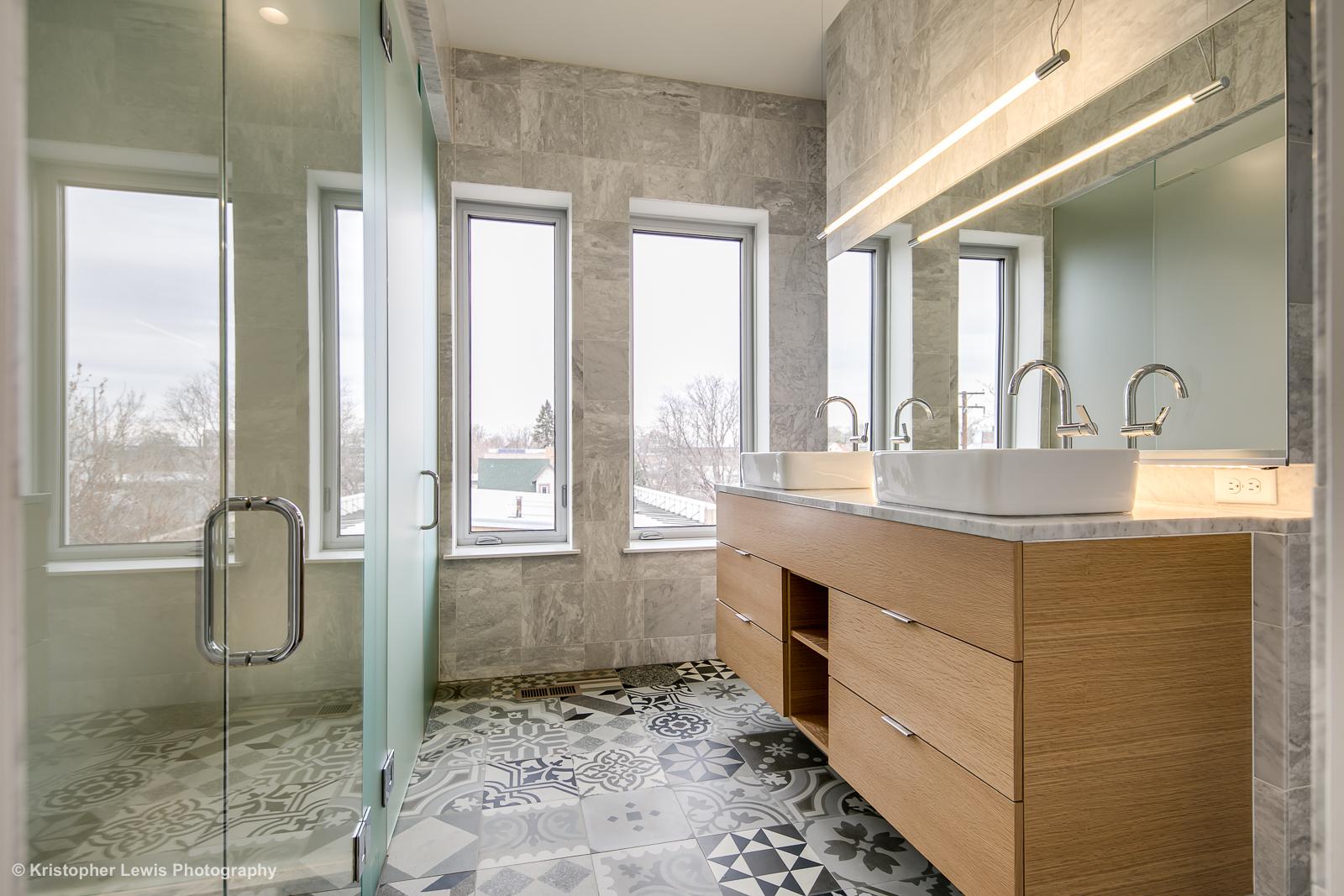 24_Third Level-Master Suite-Bathroom-1