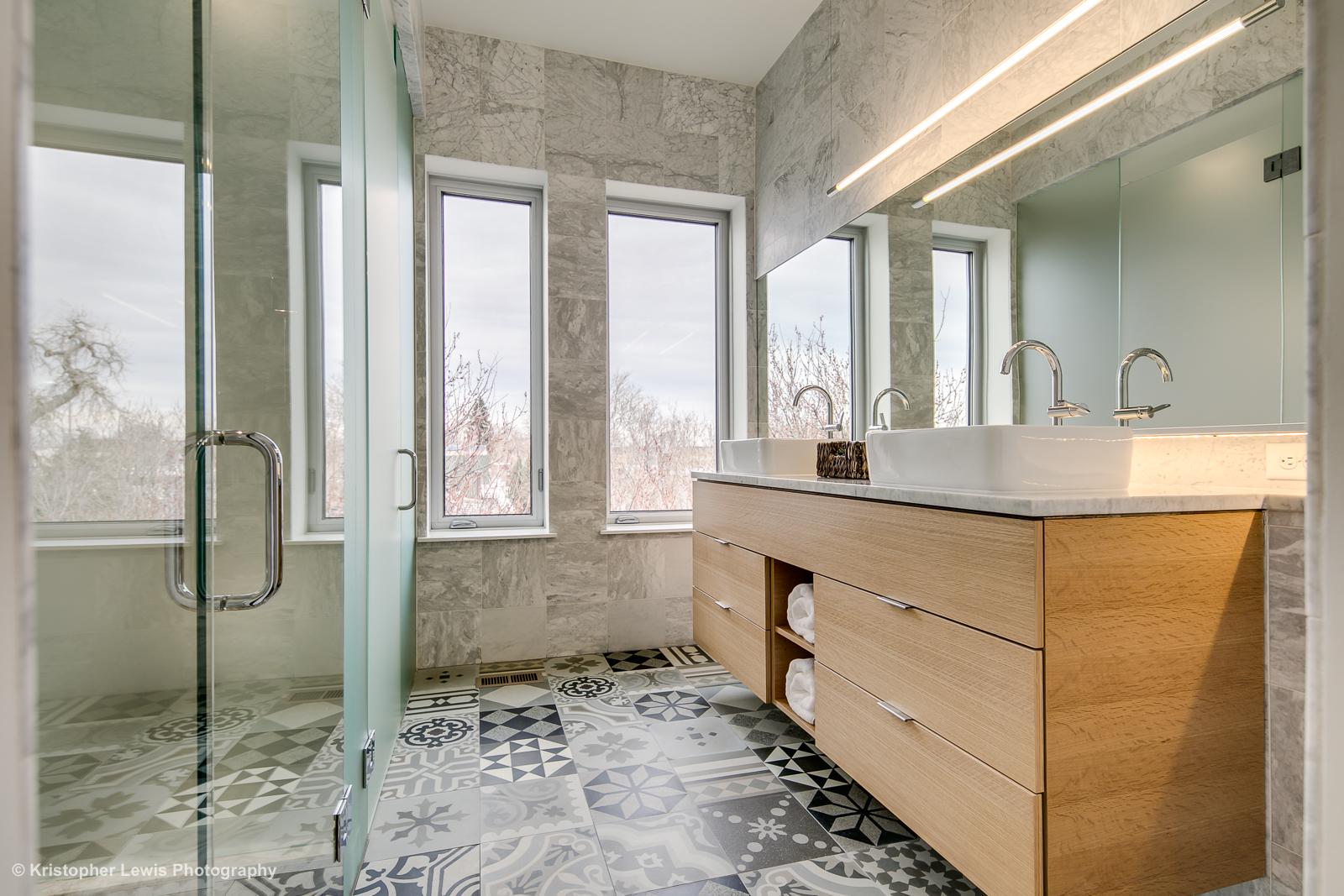 27_Third Level-Master Suite-Bathroom-1