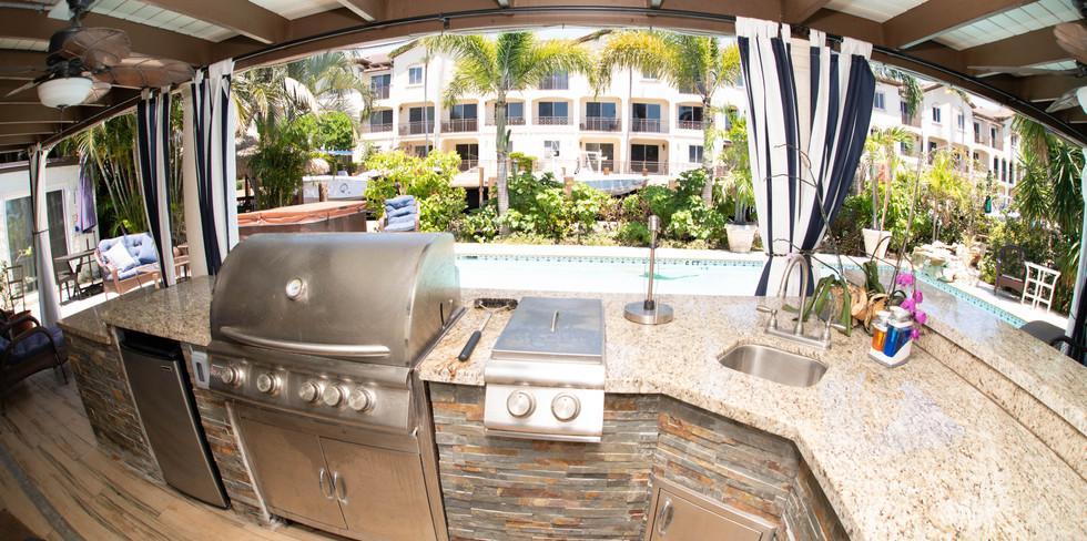 Outdoor Kitchen & BBQ Grill.jpg