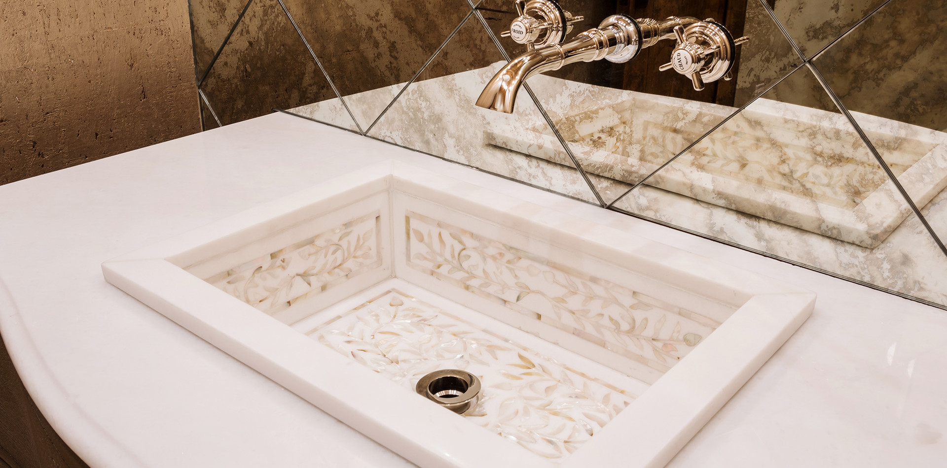 Powder Bath Detail