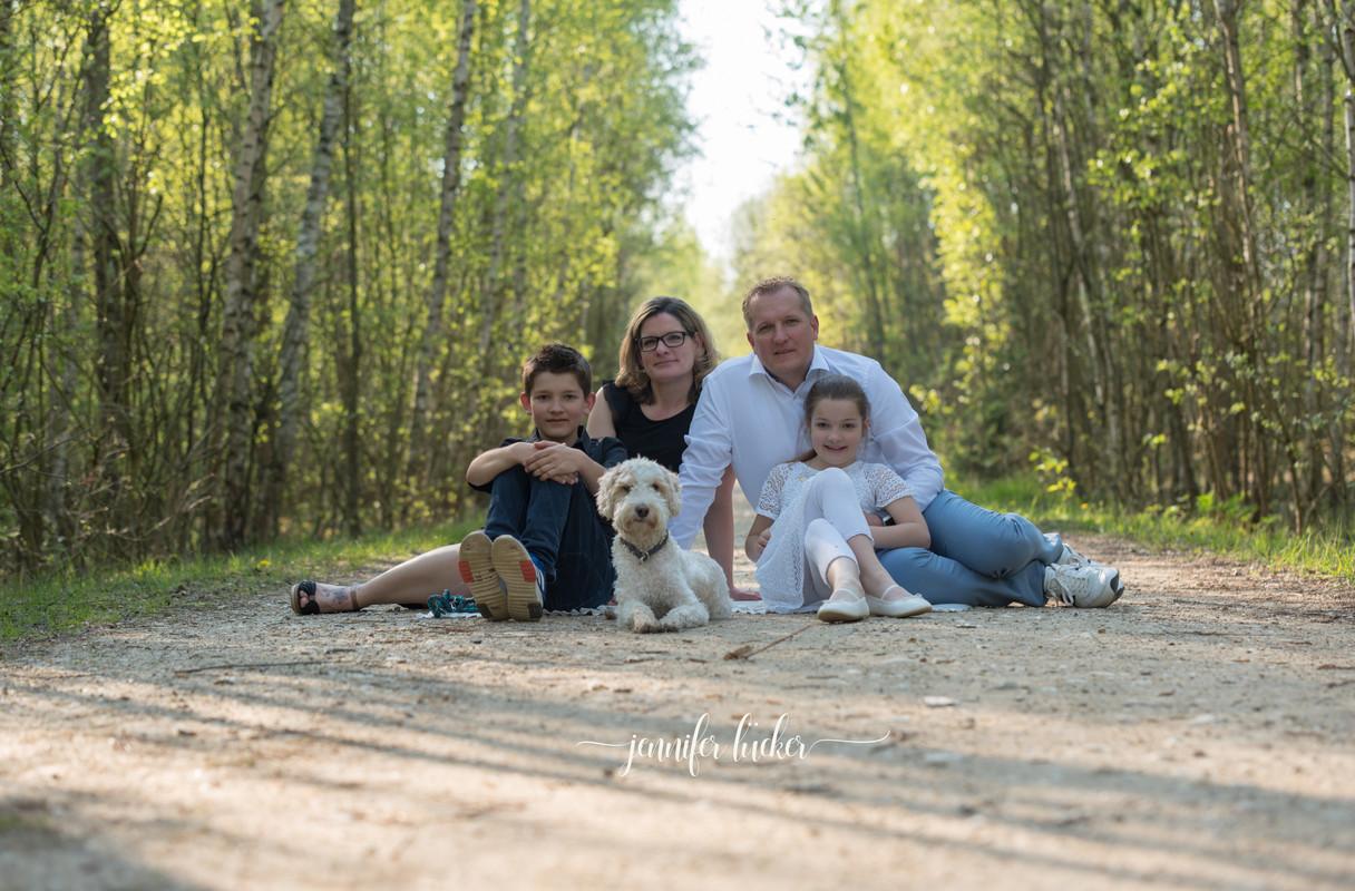 Jennifer-Luecker-Familienfotoshooting-rheinerftkreis.jpg