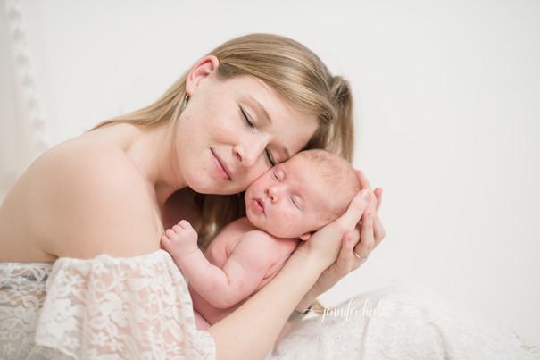 Jennifer-Lücker-Mutter-Baby-Foto.jpg