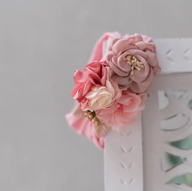 Jennifer-Luecker-Blumenhaarband-fotoshooting-kerpen.jpg