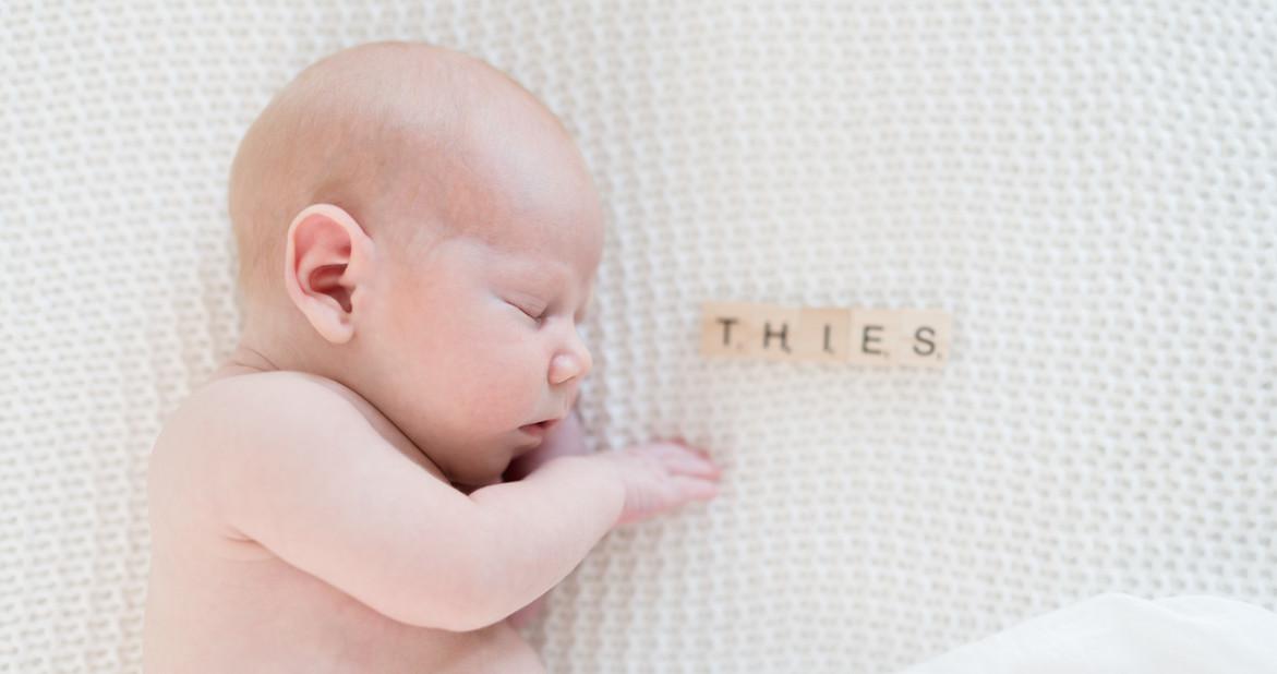 JeniferLuecker-Babyfotos-natürlich.jpg